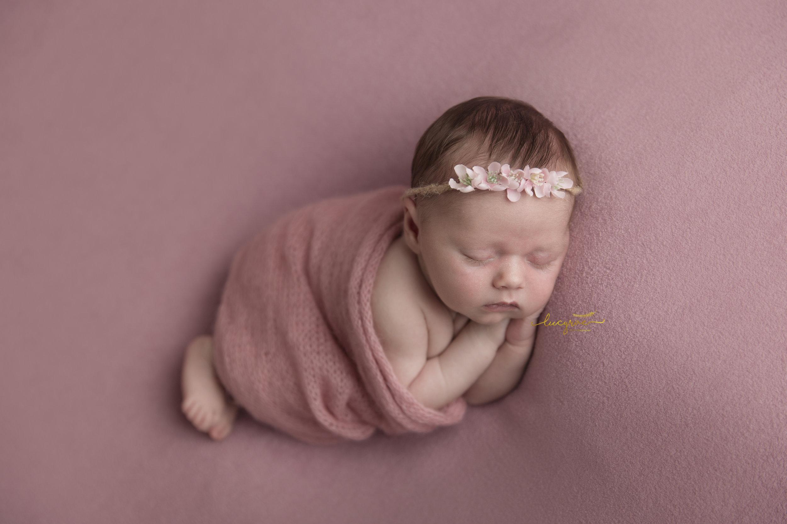 Freya newborn (20 of 35).jpg