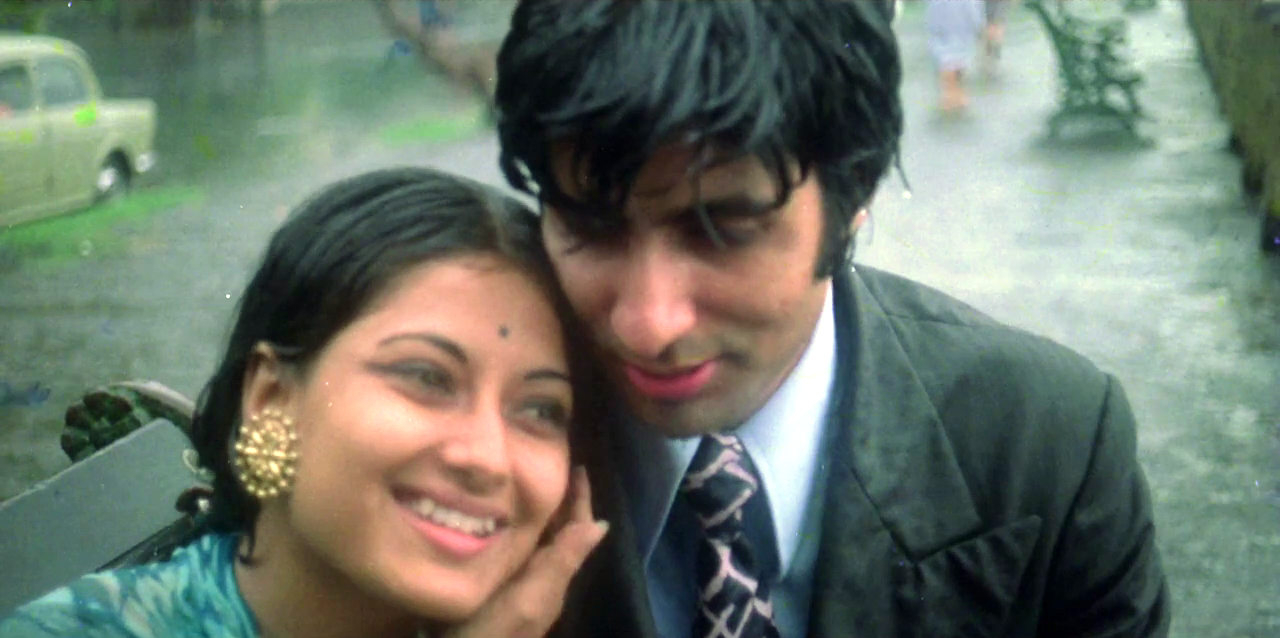 Mushumi Chatterjee   – Actress,'   Manzil'   (  archive )      Amitabh Bachchanan  – Co-star, '   Manzil'   ' (archive)