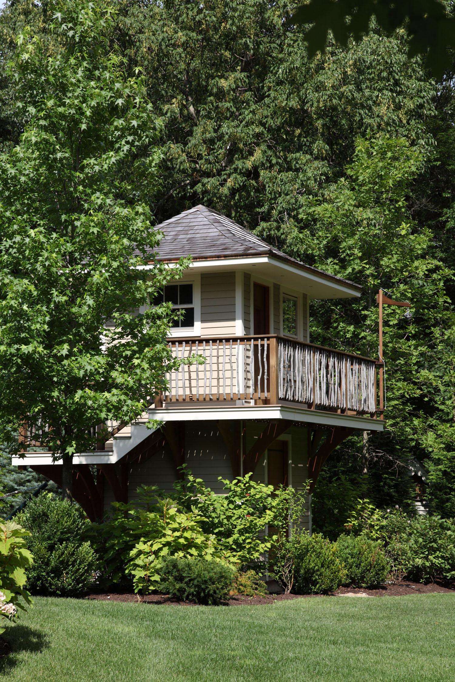MG_treehouse side 1500pix.jpg