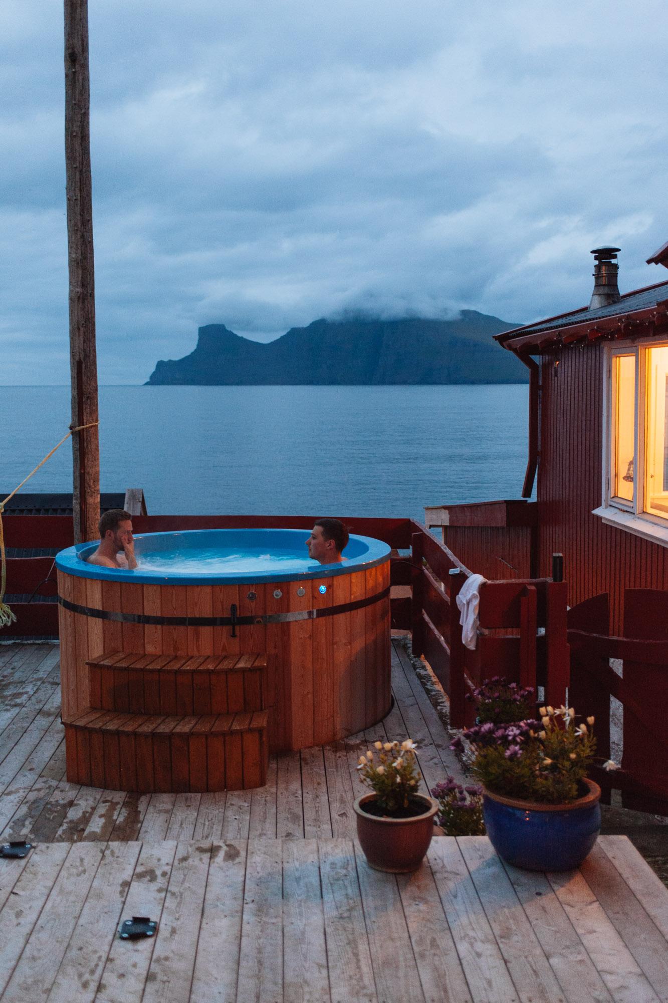 Hot tub evenings back in Elduvík