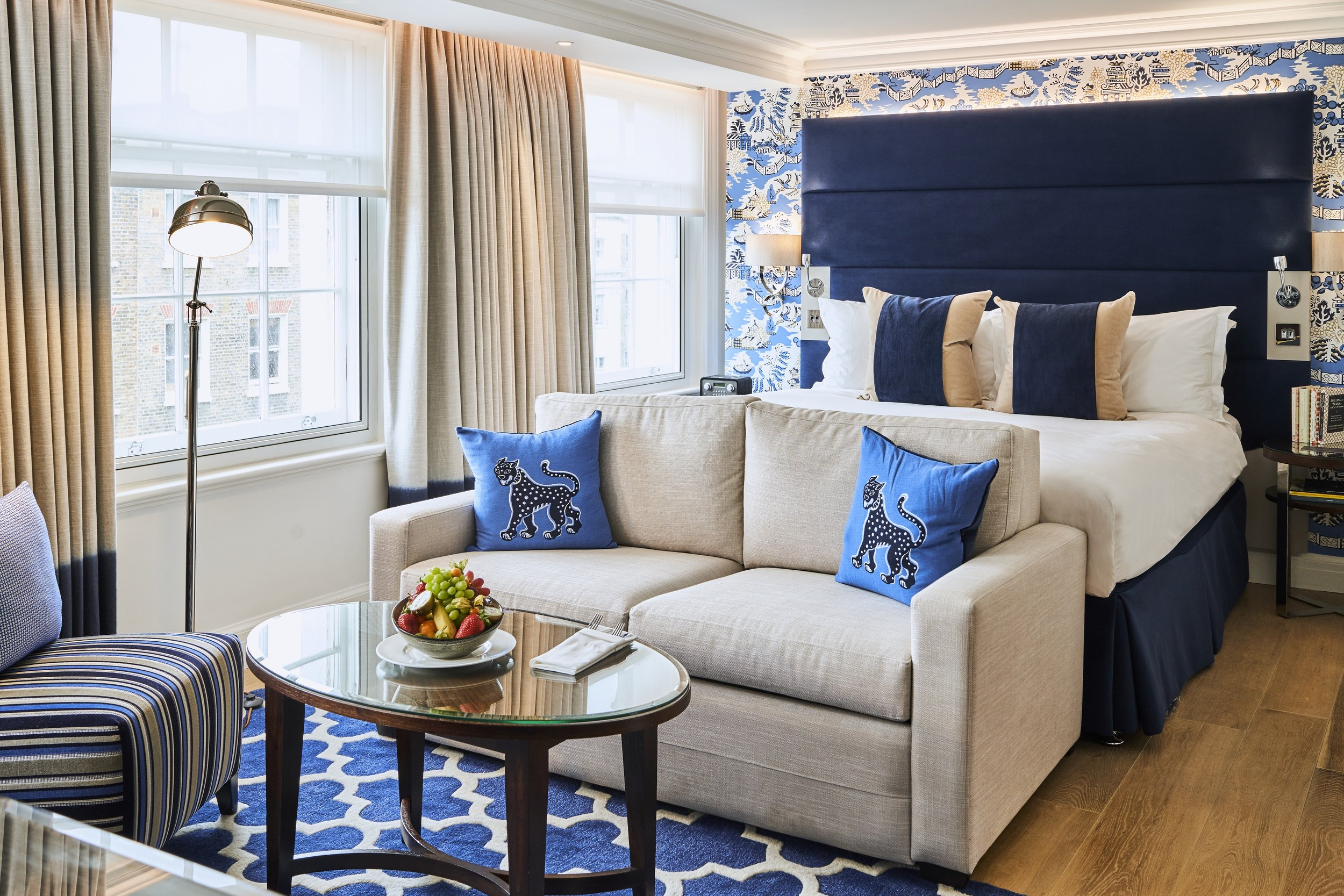 The Arch London - Executive Junior Suite - Medium.jpg