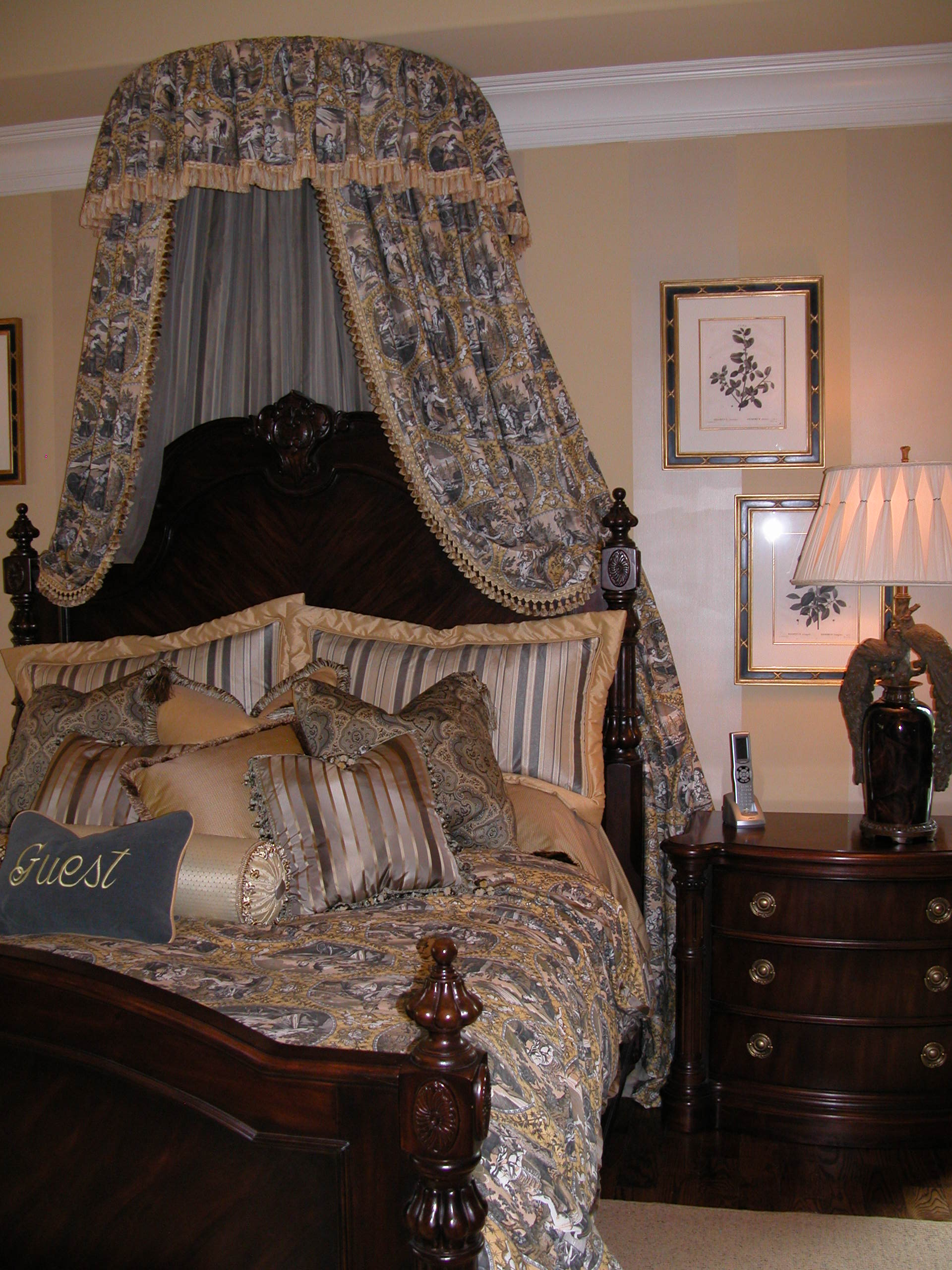 Guest Room 008.jpg
