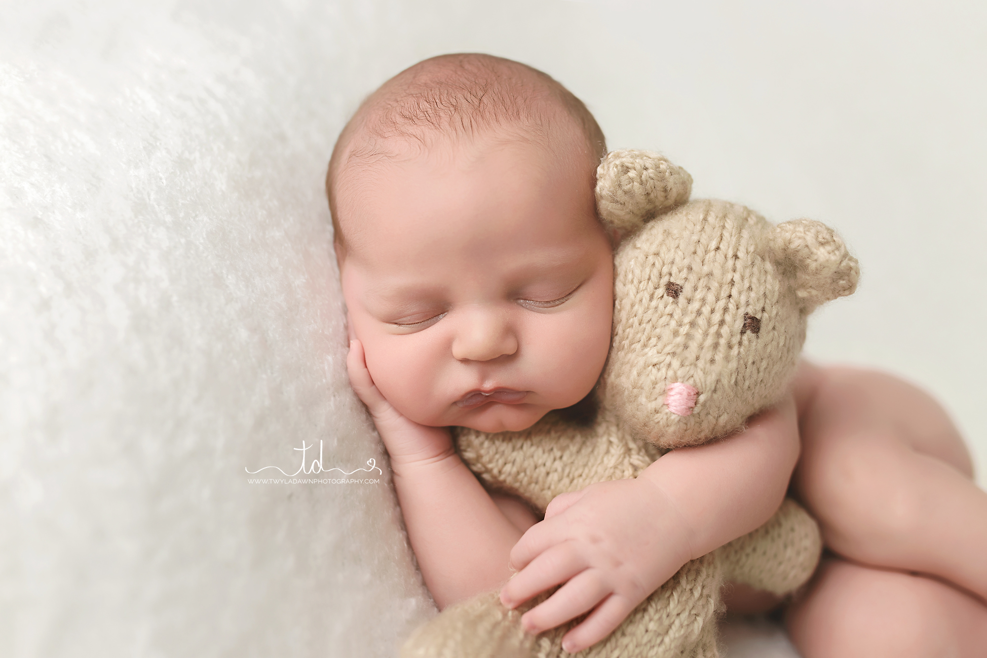 Utah Newborn Photographer | Baby Boy with Lovie | #twyladawnphotography