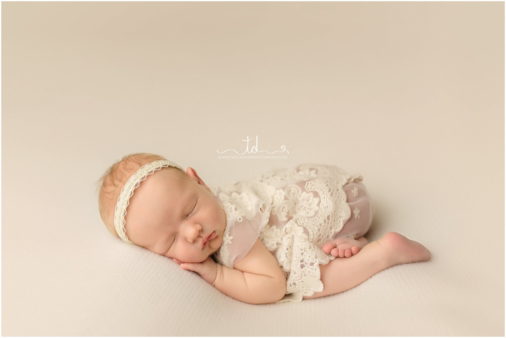 Baby Girl   Cream and Gold   Utah Newborn Photographer #twyladawnphotography