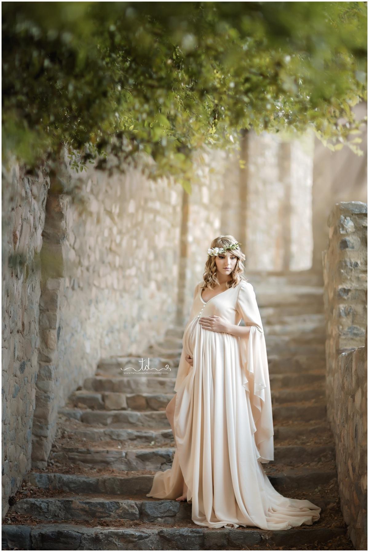 The Lenora Robe in Champagne | Utah Maternity Photographer | Twyla Dawn Photography