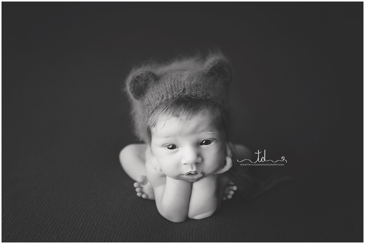 Utah Newborn Photographer | Utah Newborn Photography | Utah Baby Photography | Black and White Session | Newborn Boy  #twyladawnphotography
