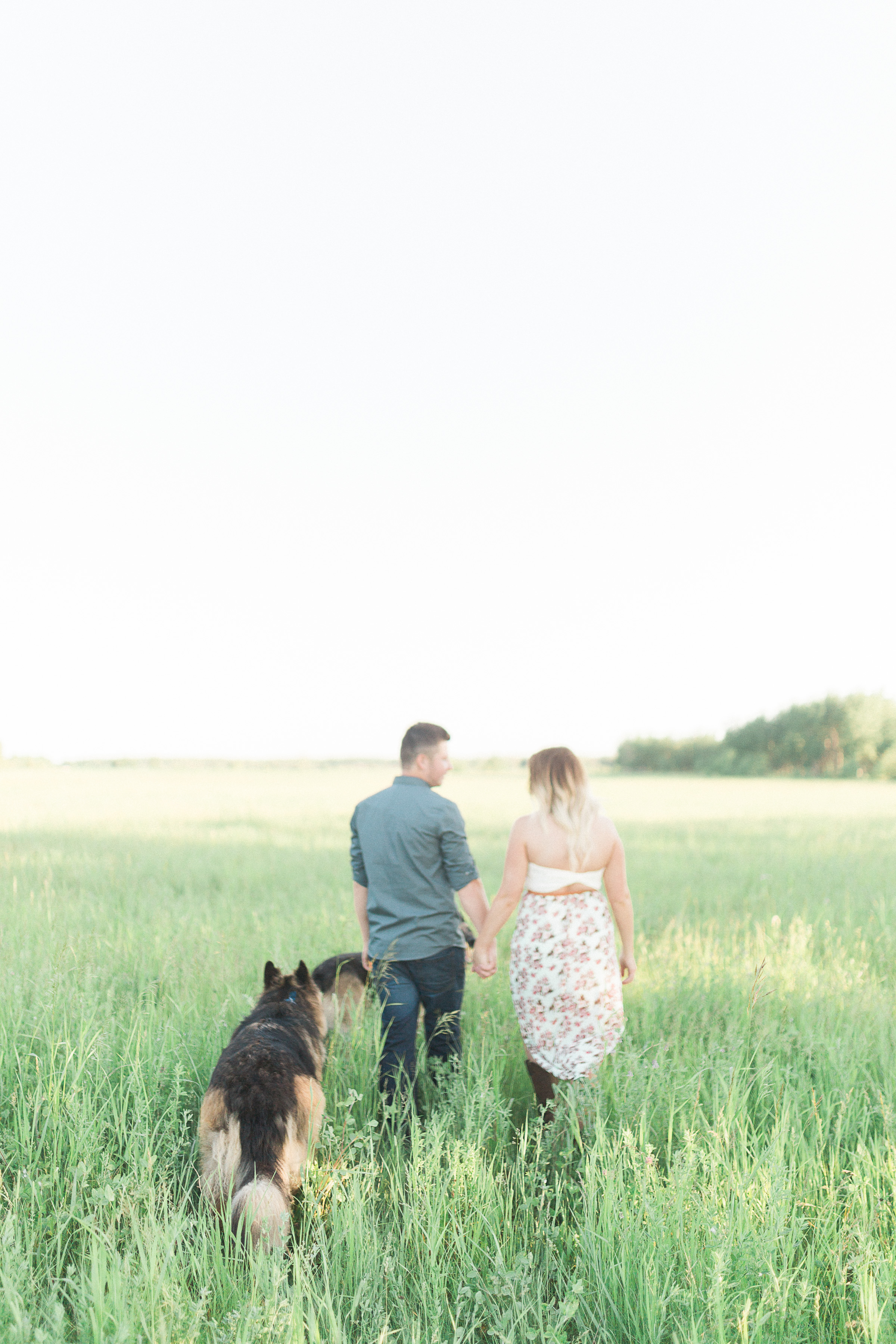 Engagement Session with dogs - Keila Marie Photography