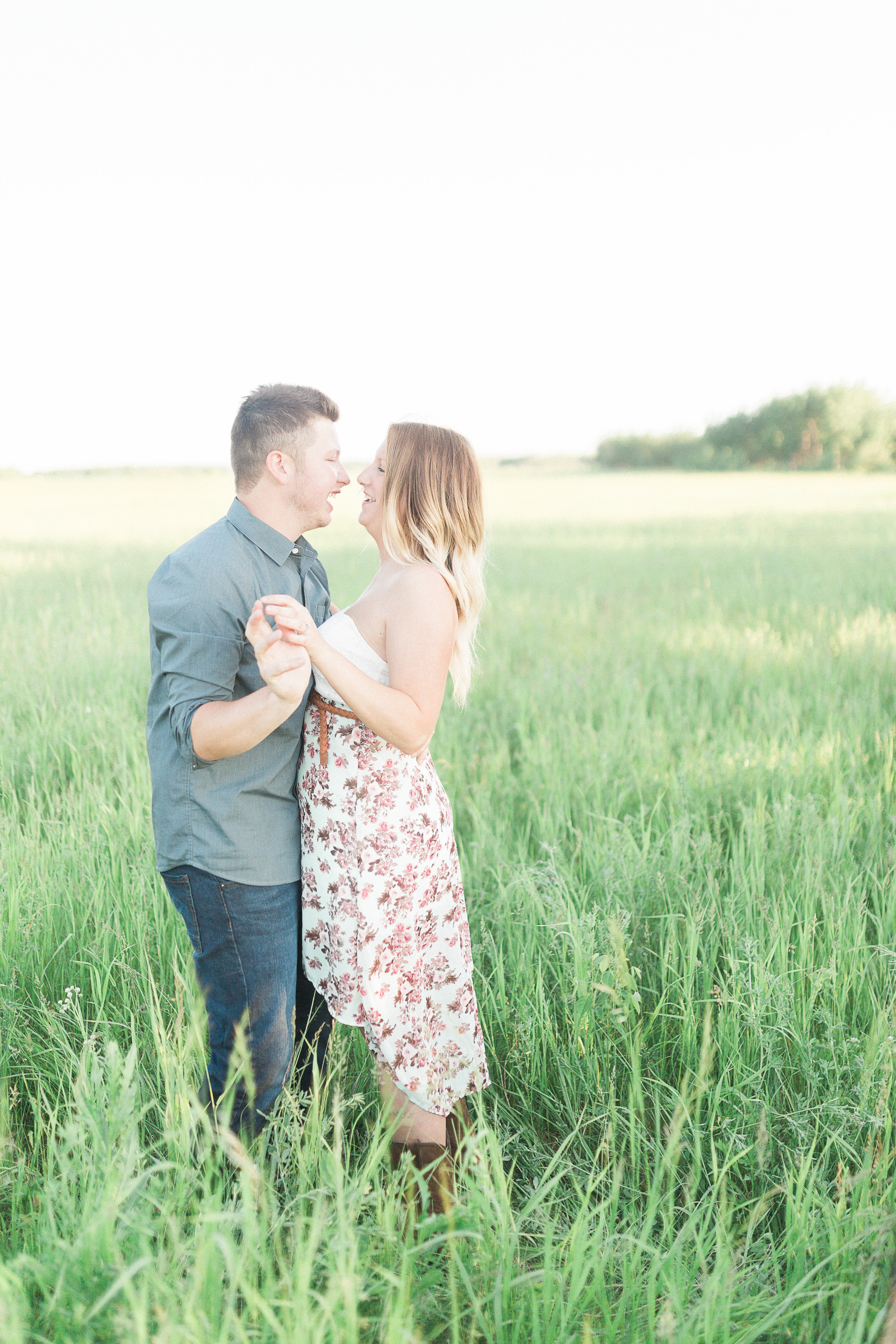 Winnipeg Engagement Session | Country Backyard Engagement Session | Keila Marie Photography