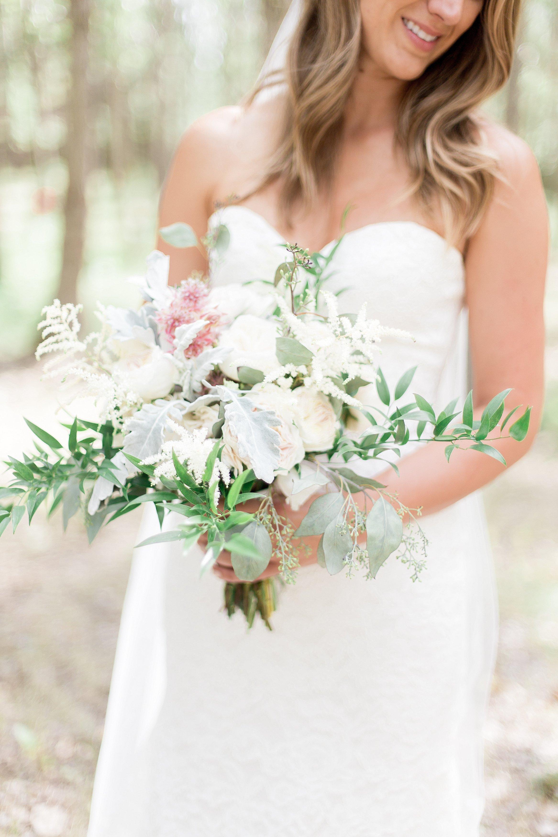 Winnipeg Wedding Photographer Keila Marie Photography   Bridal portraits   Bridal bouquet inspiration   Garden inspired wedding