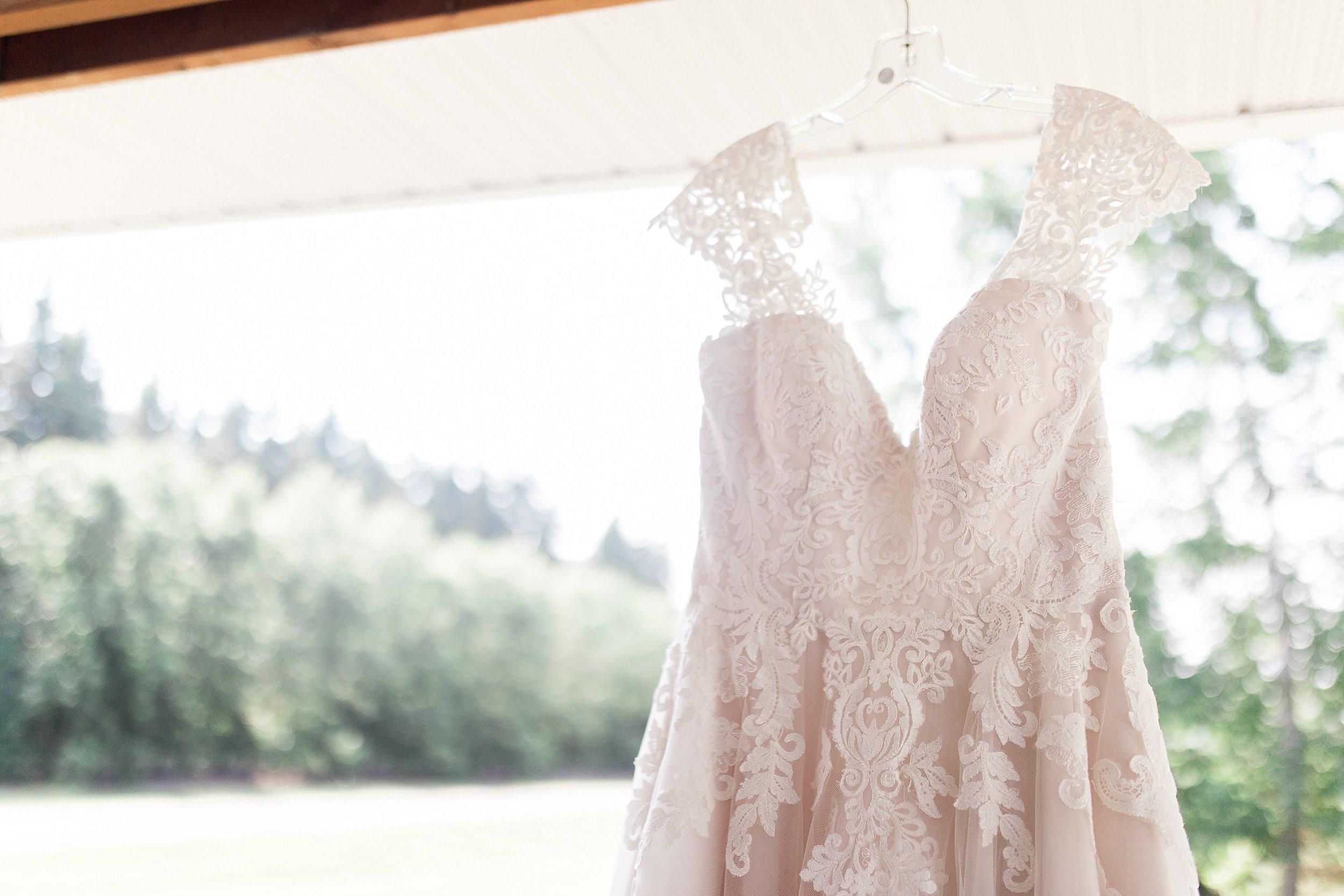 Blush Wedding Dress, Stella's Bridal Wedding Dress, Manitoba Wedding Photographer, Prairie Wedding, Keila Marie Photography