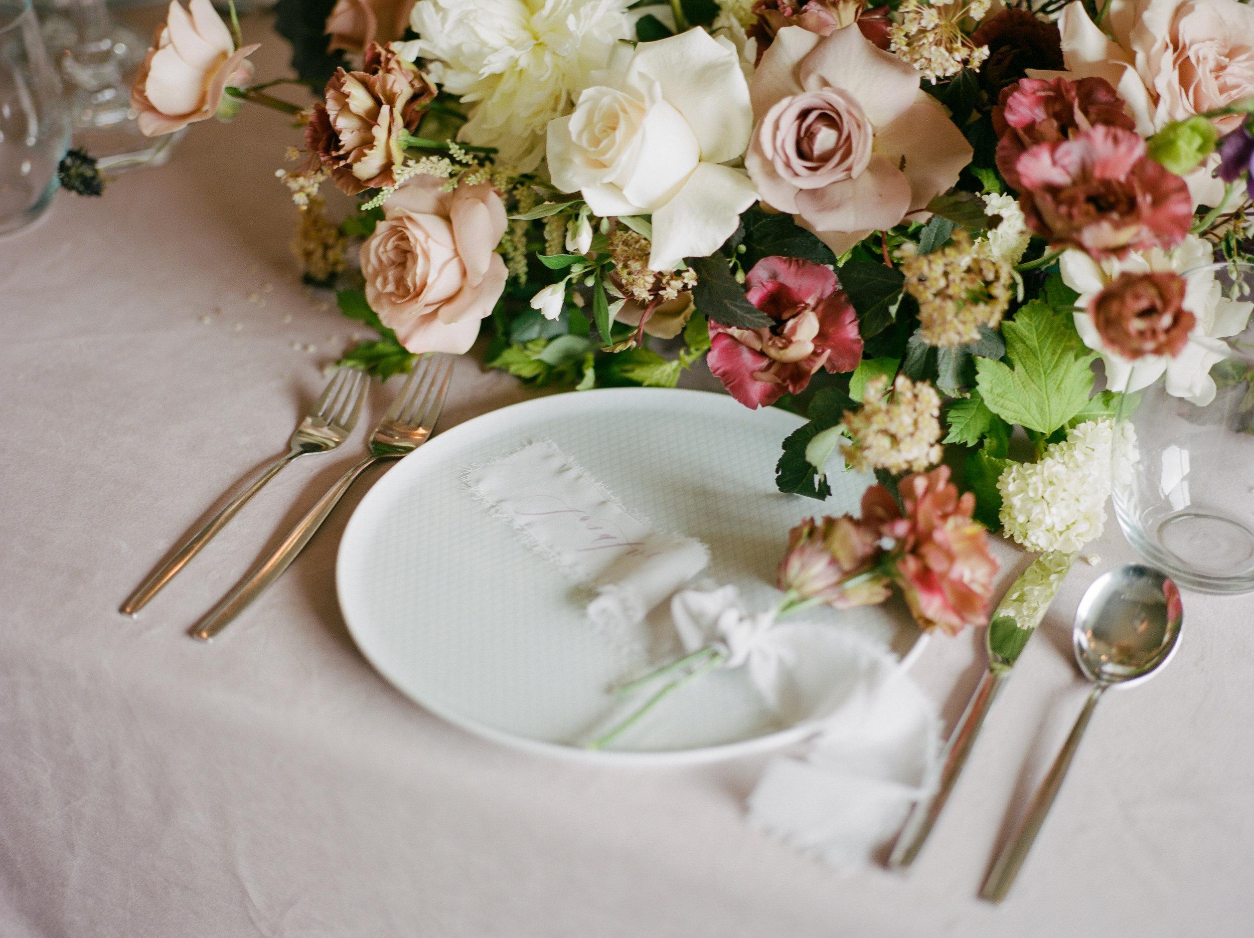 Floral-Tablescape-Reception-Decor-Winnipeg-Film-Wedding-Photographer