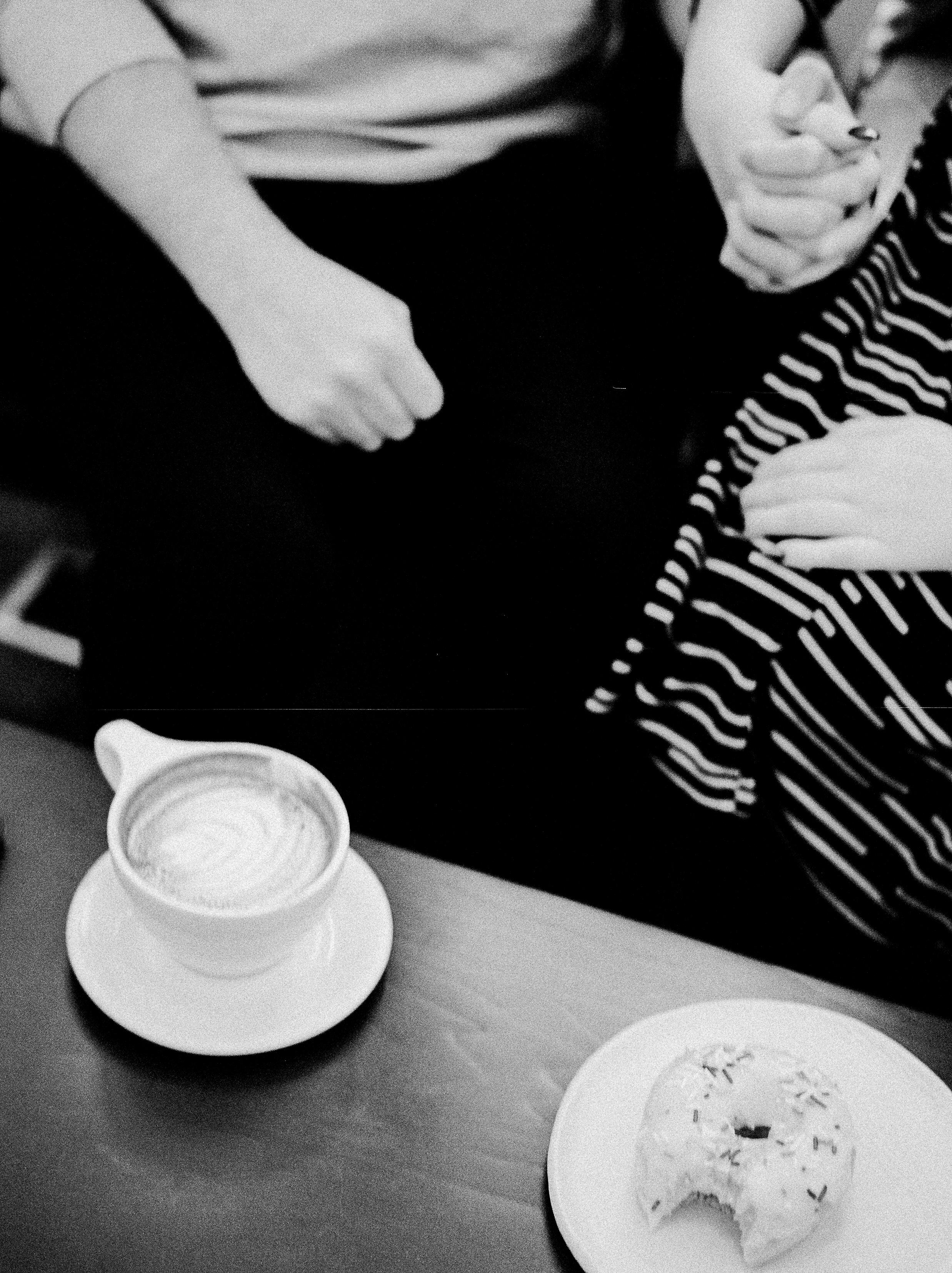 Coffee-Shop-Couples-Session-Winnipeg-KeilaMariePhoto