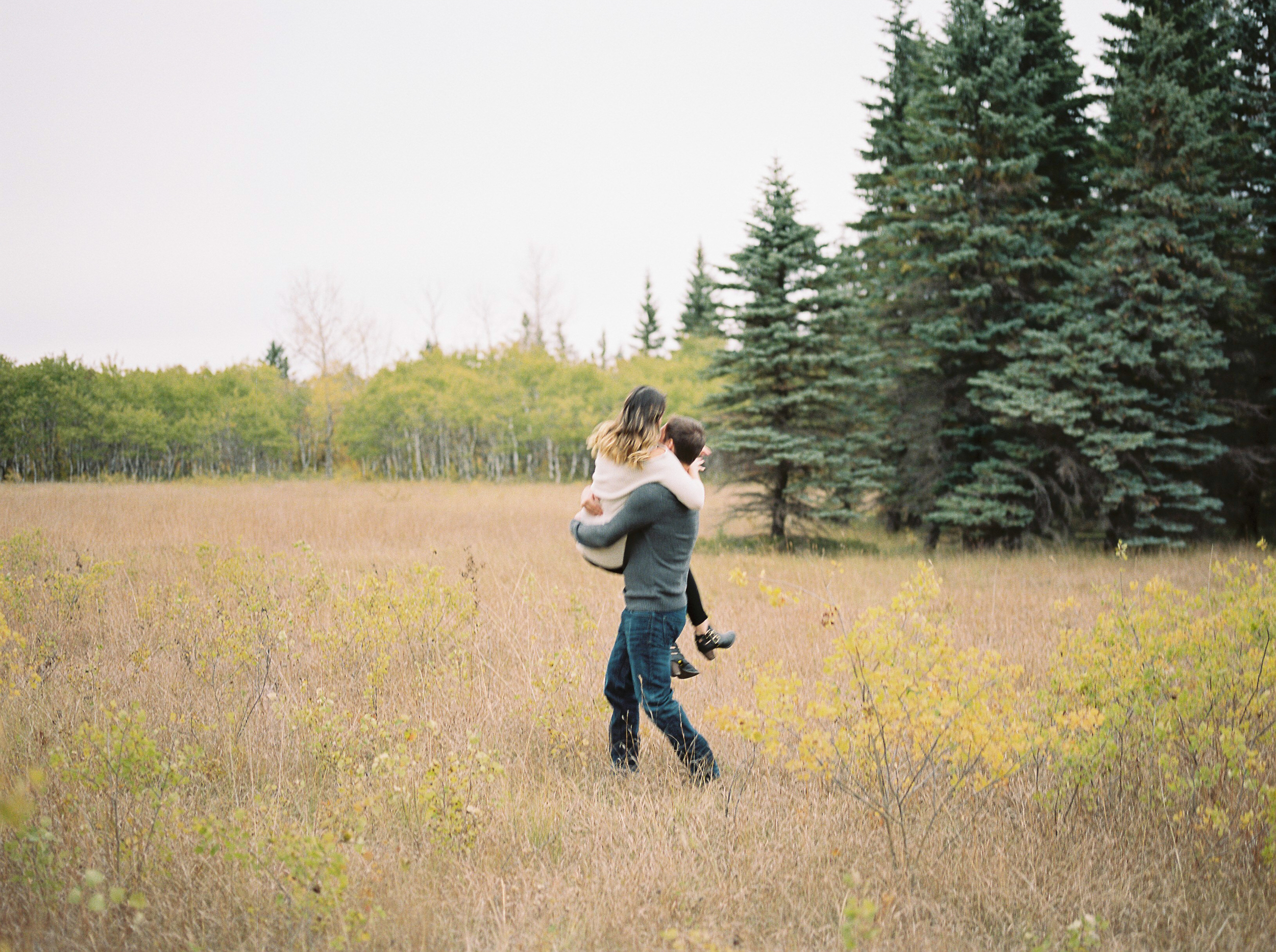 Birds-Hill-Provincial-Park-Engagement-Session-Winnipeg-Wedding-Photographer-Pineridge-Hollow