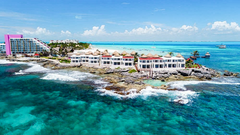 Our hotel in Isla Mujeres: The Mia Reef.