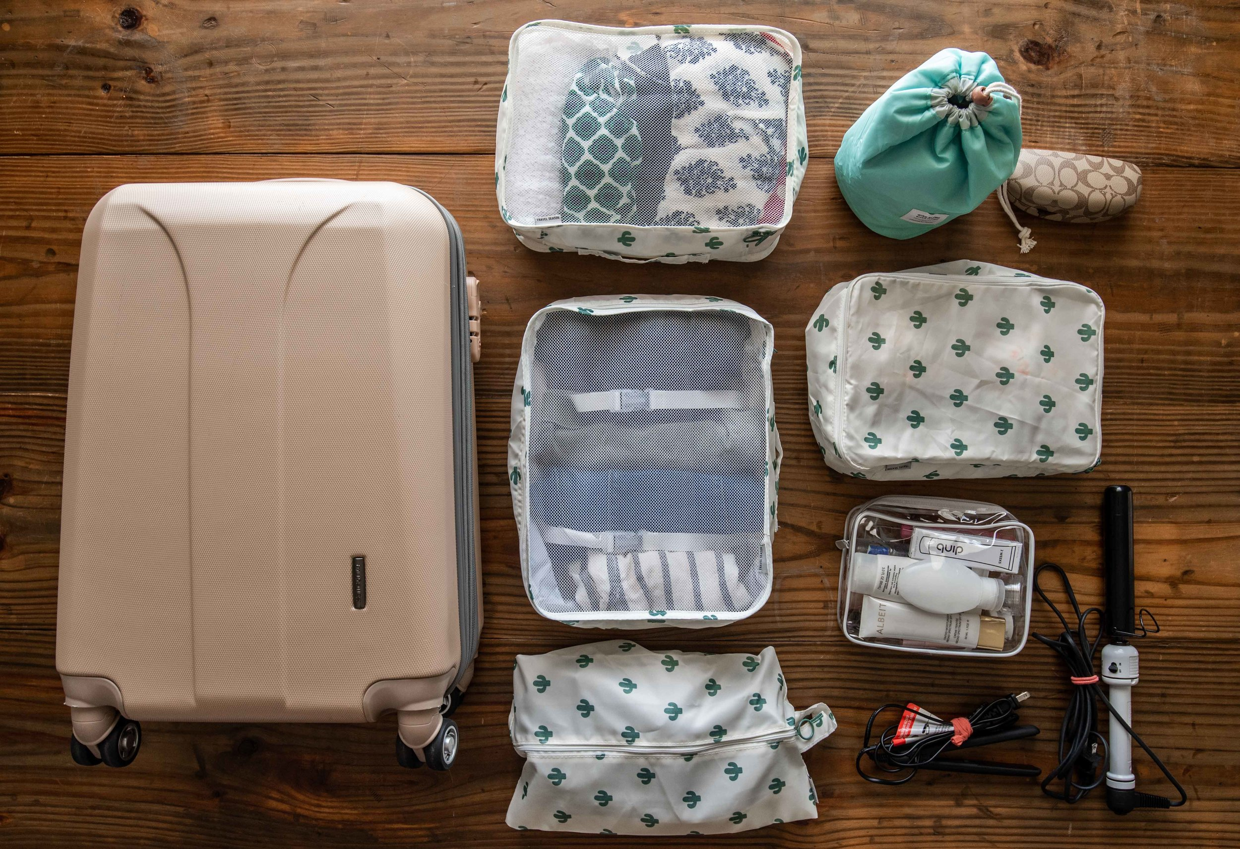 I went for the packing cubes with the cactus pattern.