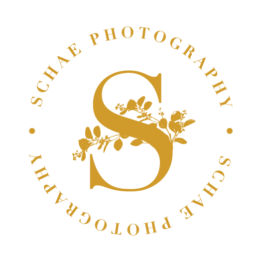 SchaePhotography_CircleBadge_Yellow.png
