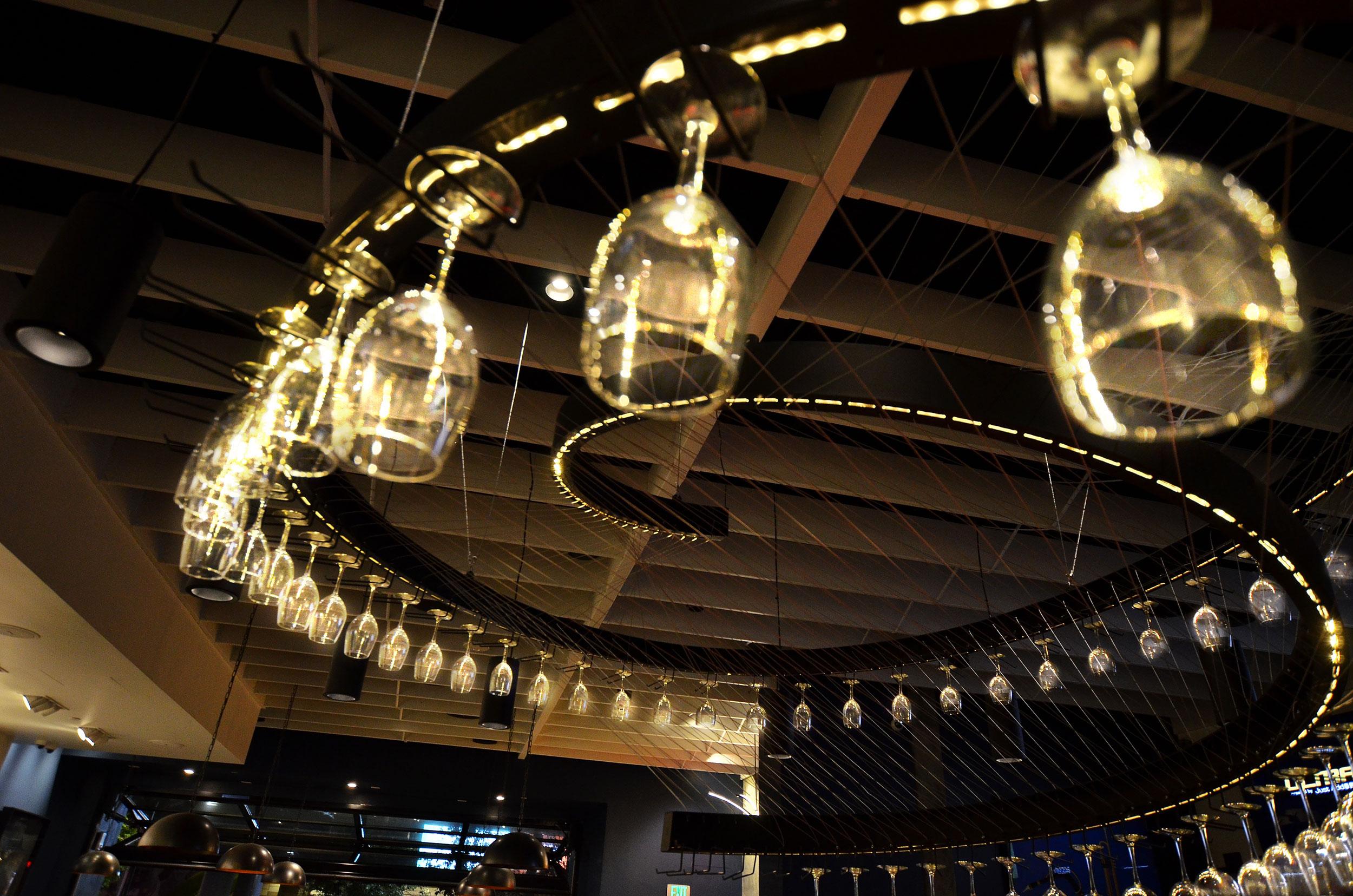 15112-hals-bar_grill_chandelier-04.jpg