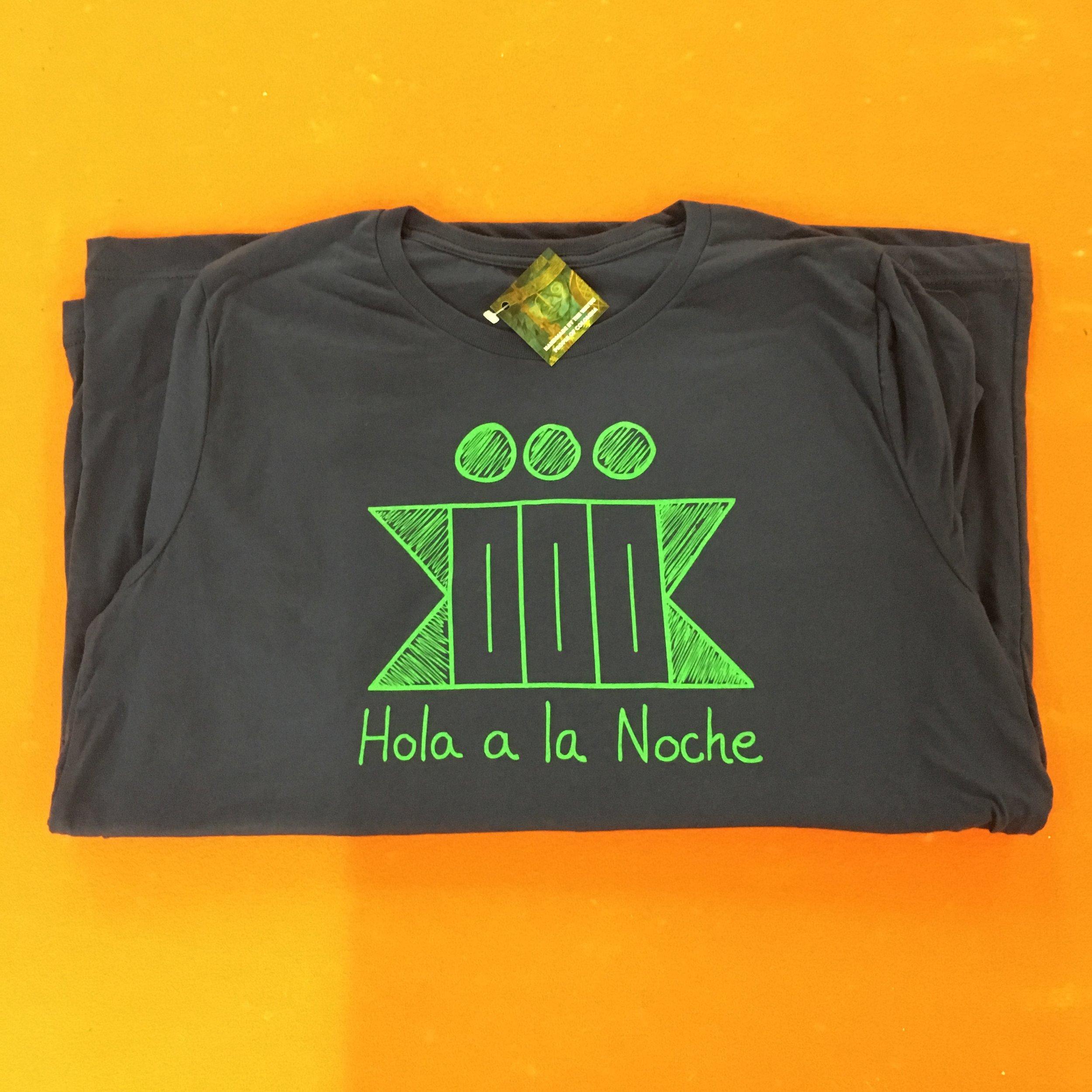 Hola a la Noche T-shirts