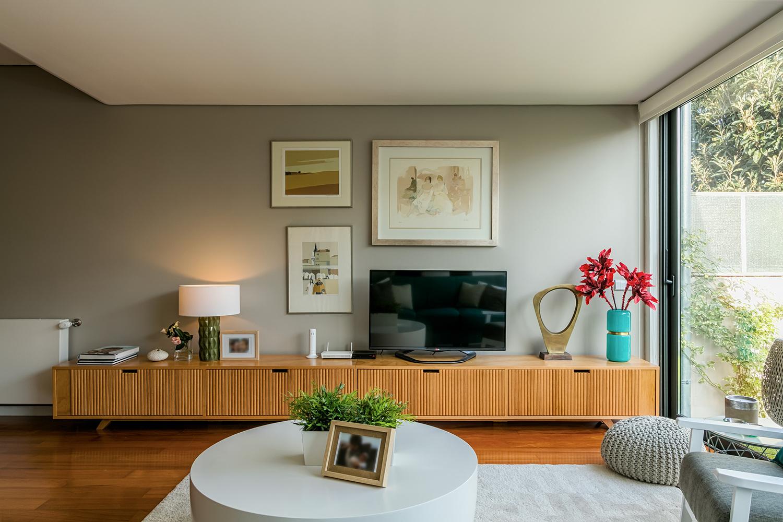 Sala de estar da Moradia no Bairro dos Músicos por Franca Arquitectura / Porto - Portugal - 2016
