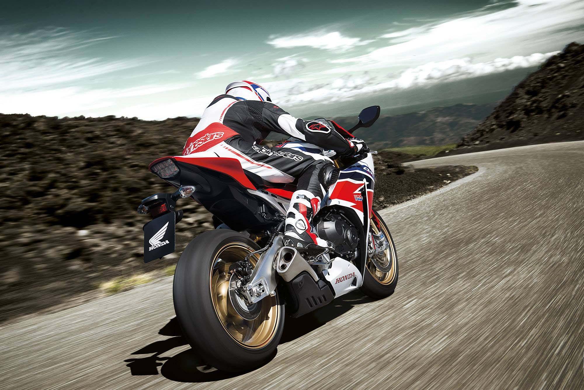 2014-Honda-CBR1000RR-SP-13.jpg