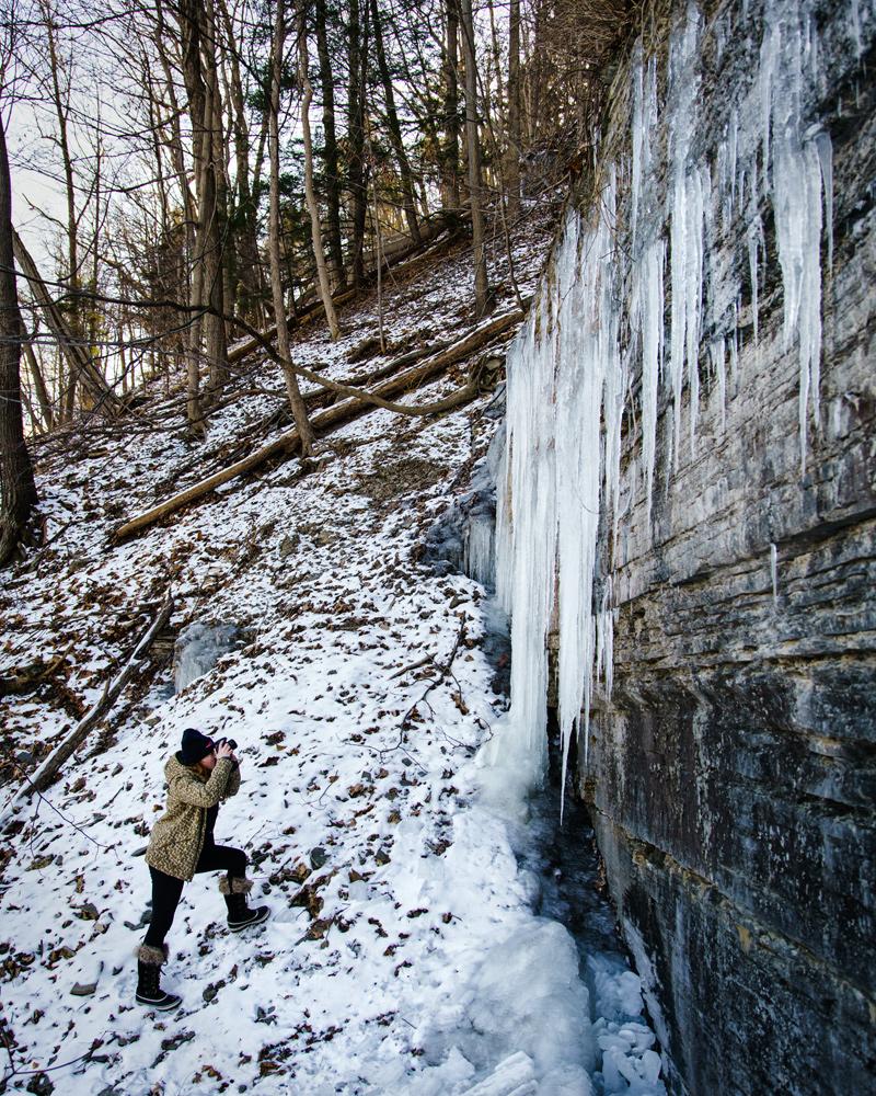 Shooting icicles by Shequaga Falls © Paul Nguyen