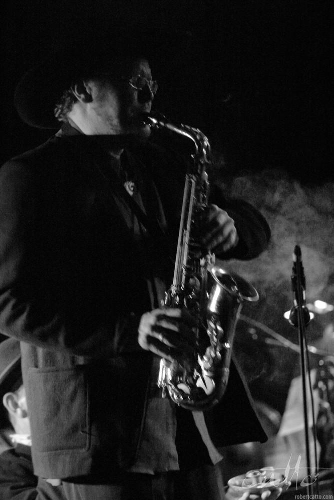 Jeff Henderson with The Village Idiots, at theWellington International Jazz Festival 2003.