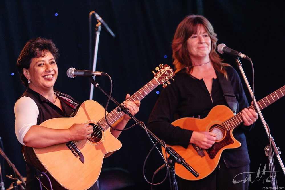 Mahinarangi Tocker and Shona Laing, New Zealand International Arts Festival 2004