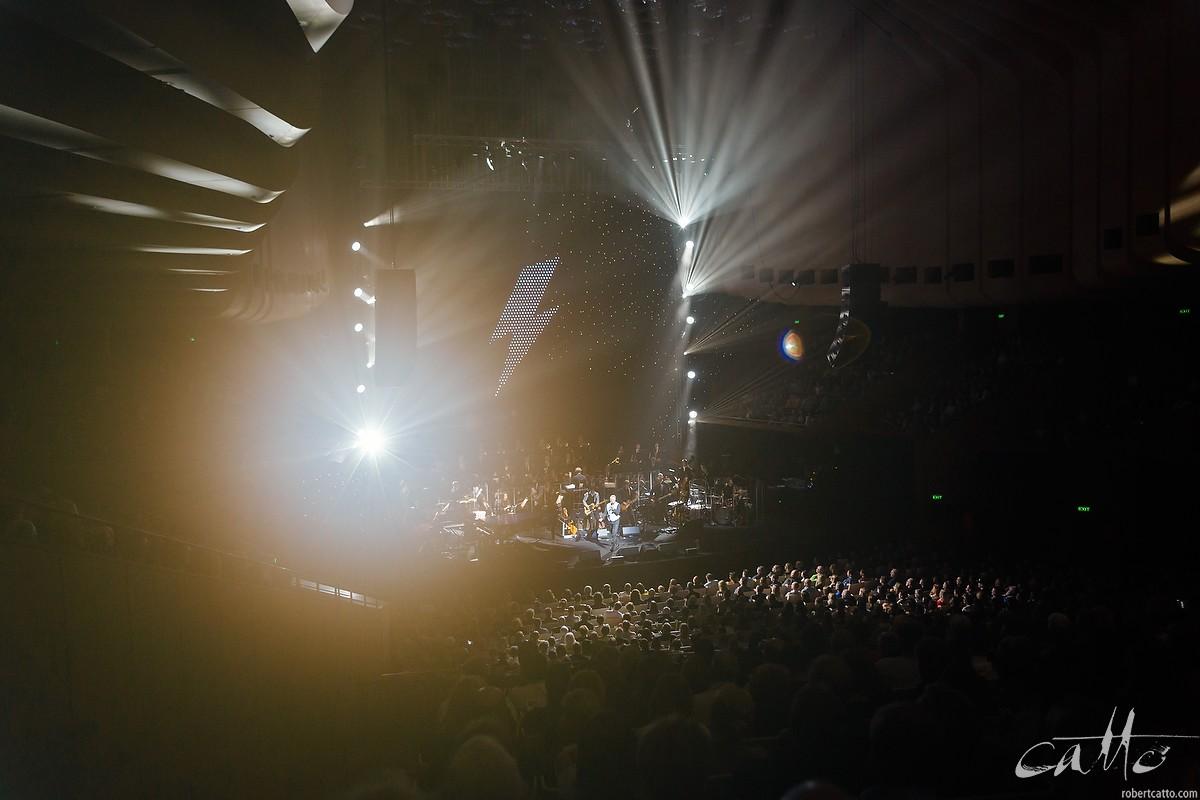 Steve Kilbey sings Diamond Dogs