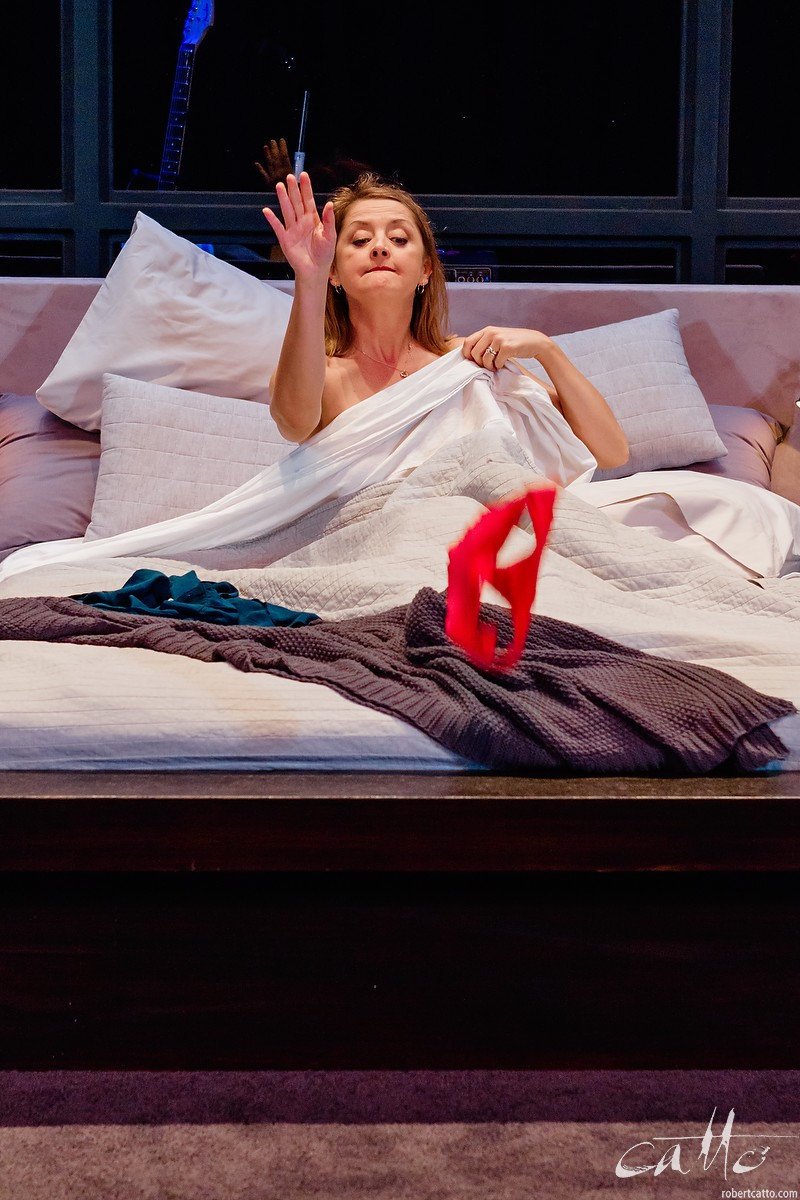 Paul Gleeson & Jeanette Cronin in I Love You Now at Darlinghurst Theatre Company