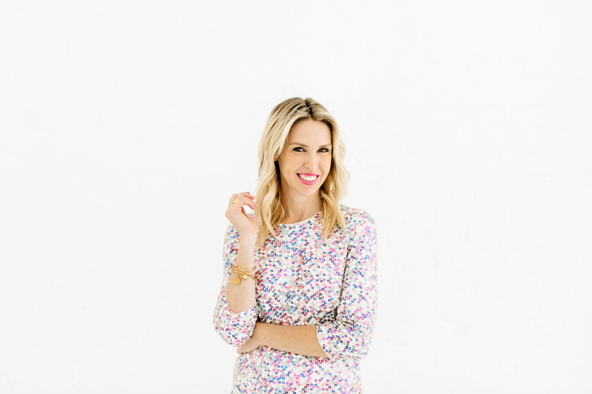 Alexa-Vossler-Photo_Dallas-Headshot-Photographer_Photoshoot-at-the-Lumen-Room-with-Lauren-Stohlman-1.jpg