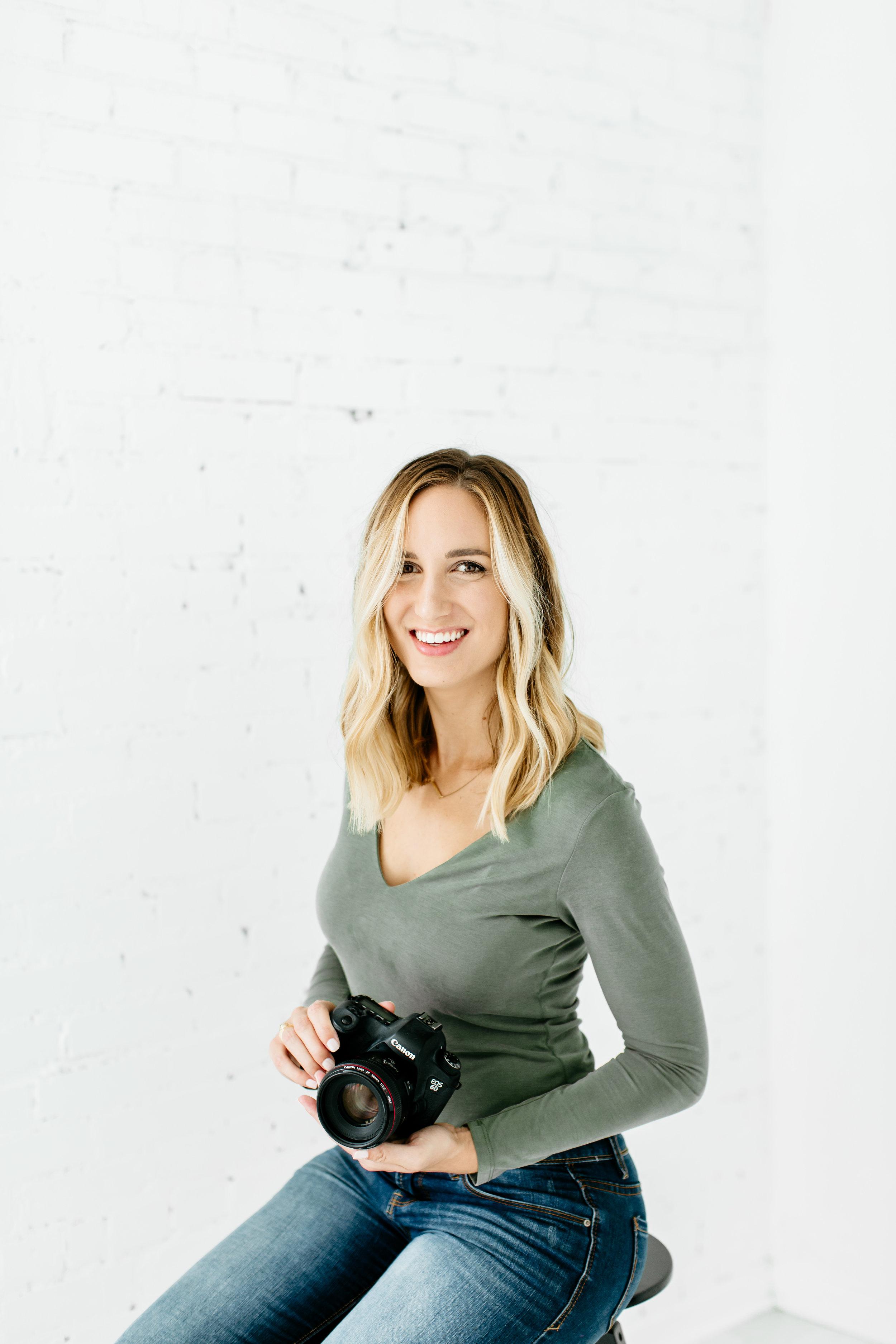 Alexa-Vossler-Photo_Dallas-Headshot-Photographer_Headshots-at-The-Lumen-Room_Kaitlyn-16.jpg