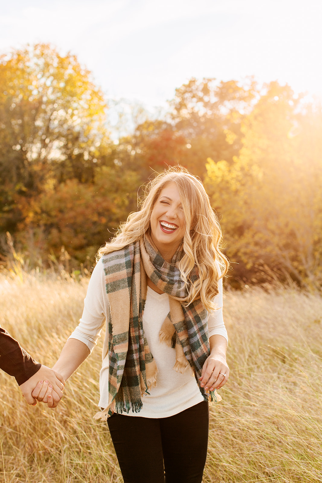 Alexa-Vossler-Photo_Dallas-Engagement-Photographer_Engagment-Session-at-White-Rock-Lake_Jessica-Ben-24.jpg
