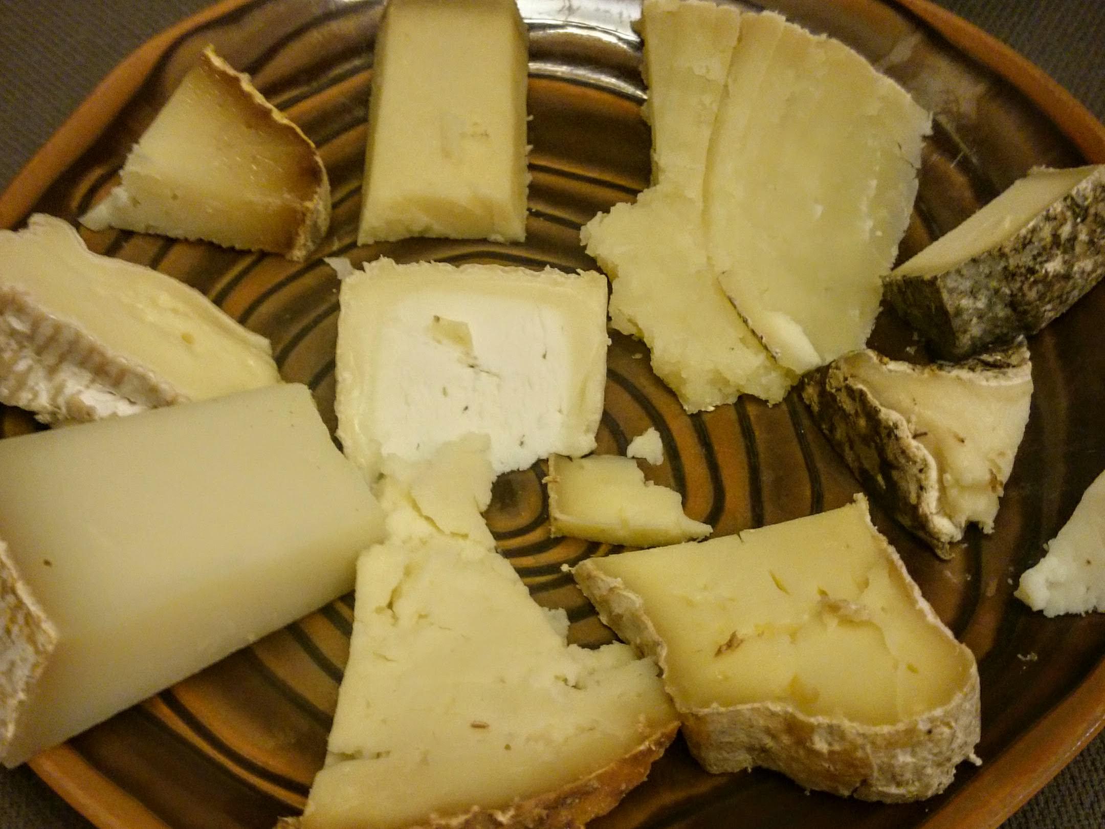 cheeseplate-chateau-de-champlong.