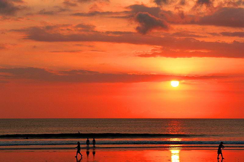 800px-Sunset_on_Kuta_Beach_Bali.jpg