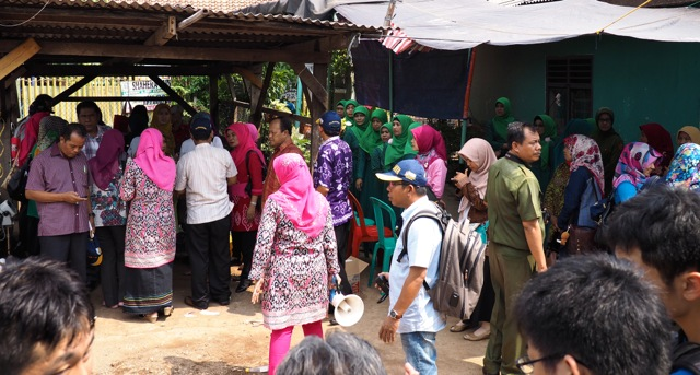 A gathering of community leaders from all over Indonesia (look at the colors in the clothing!)