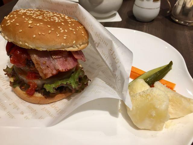 Good Morning Cafe burger