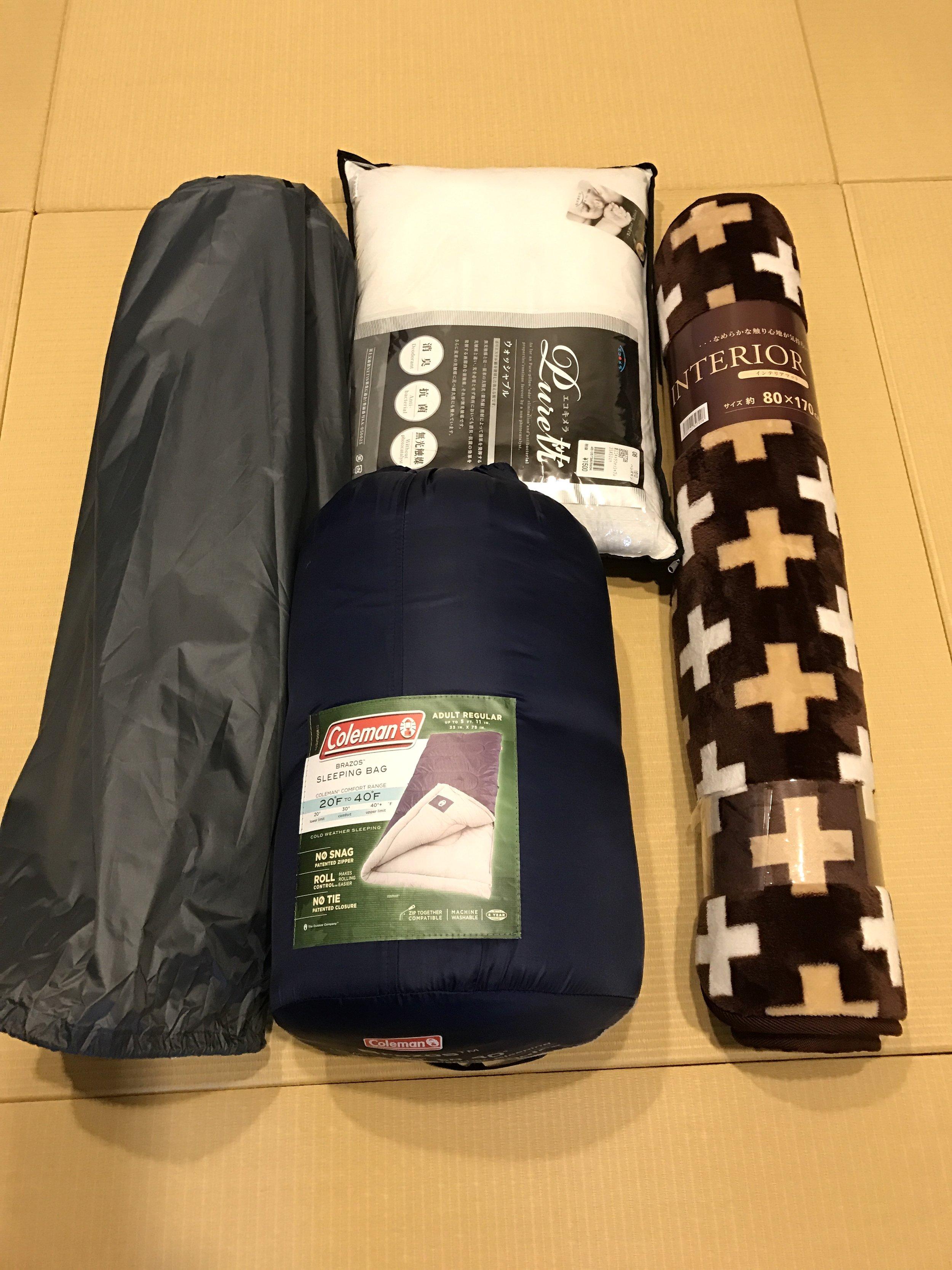 Tesla Models S sleeping set: air mattresses, sleeping bag, pillow and mat.