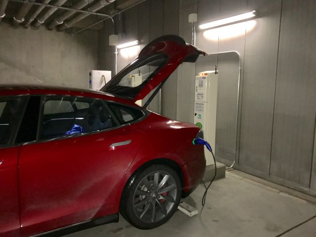 Royton Sapporo Hotel charge setup: CHAdeMO and two J1772s