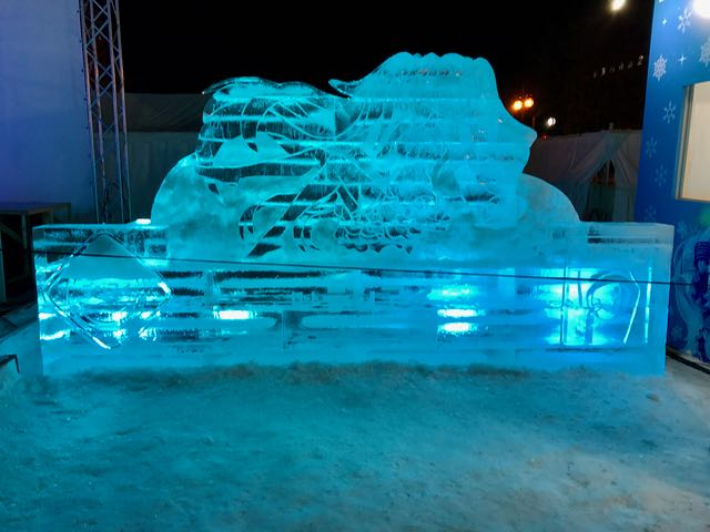 All-ice sculpture