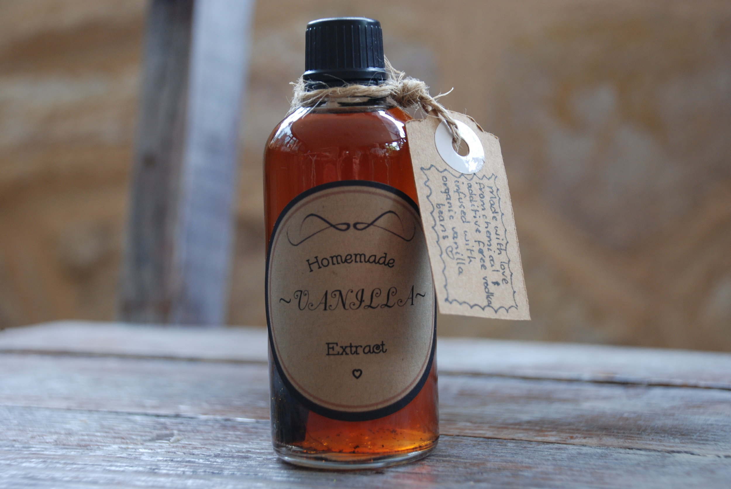 Vanilla Extract With Tag.jpg