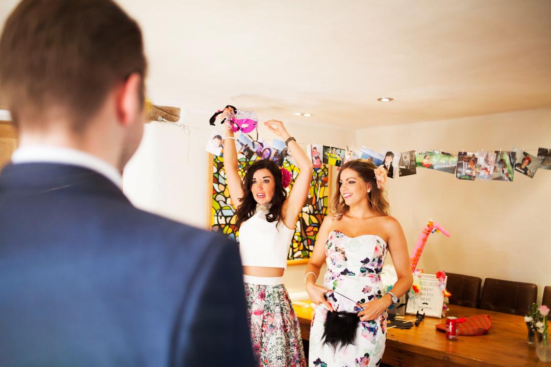dressing up box wedding