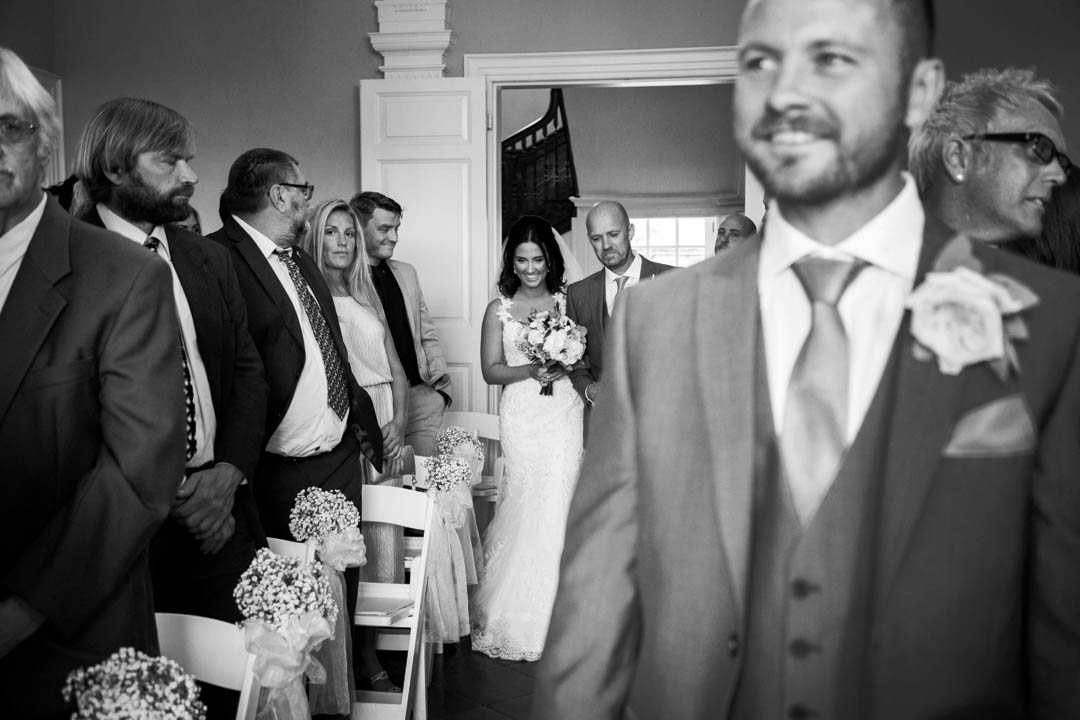 father walks daughter down aisle at Kingston Estate