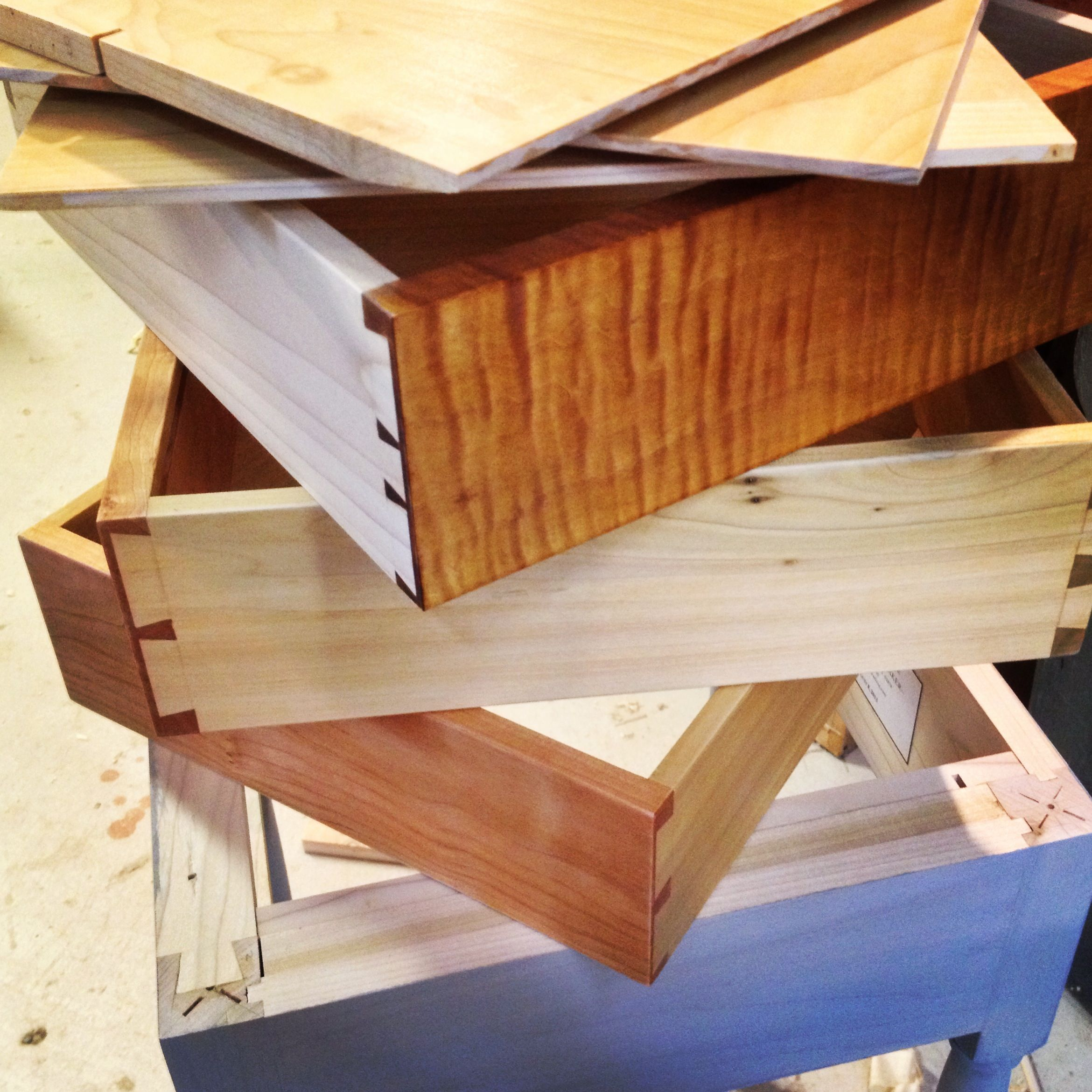 HANDCUT DOVETAIL JOINERY