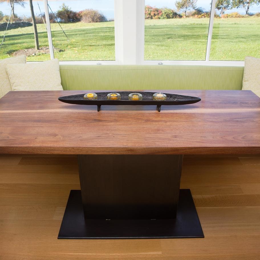 ELLIOT NOOK TABLE