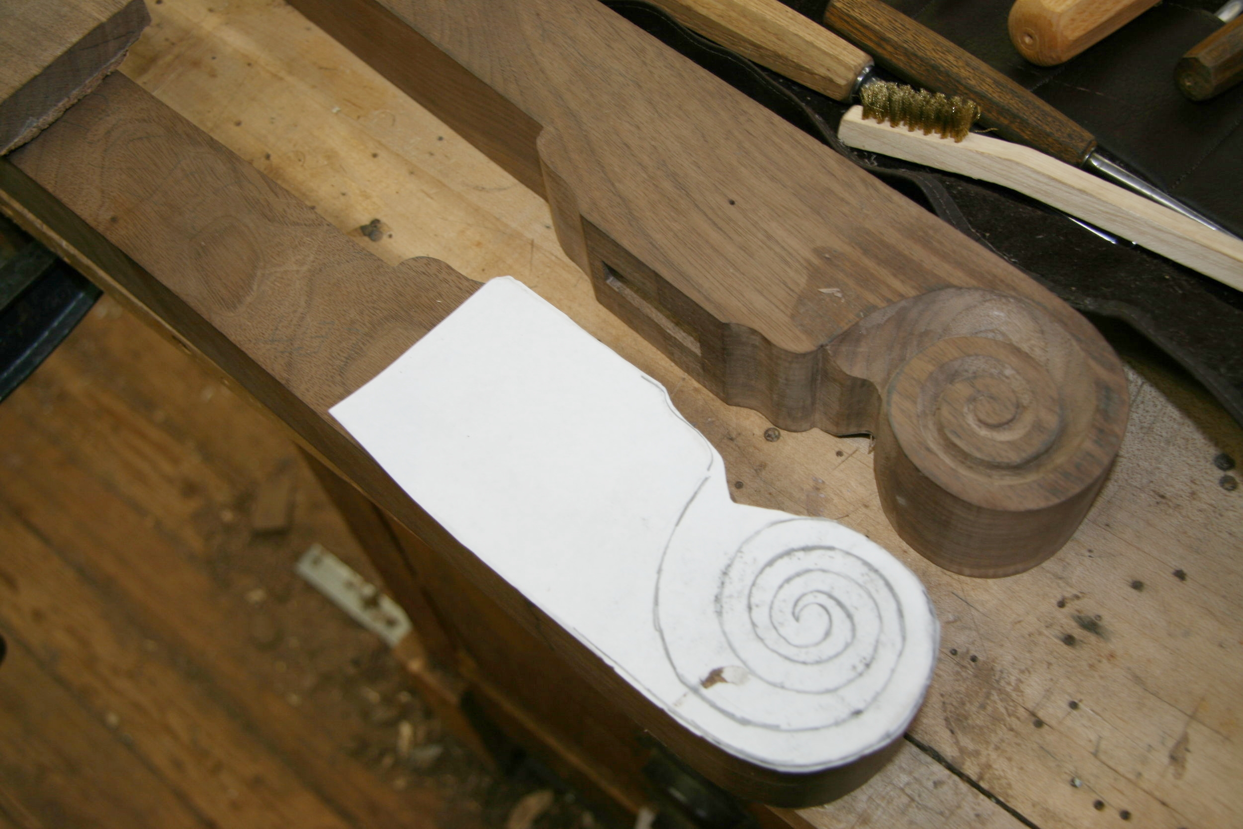 VOLUTE PATTERN for the arms
