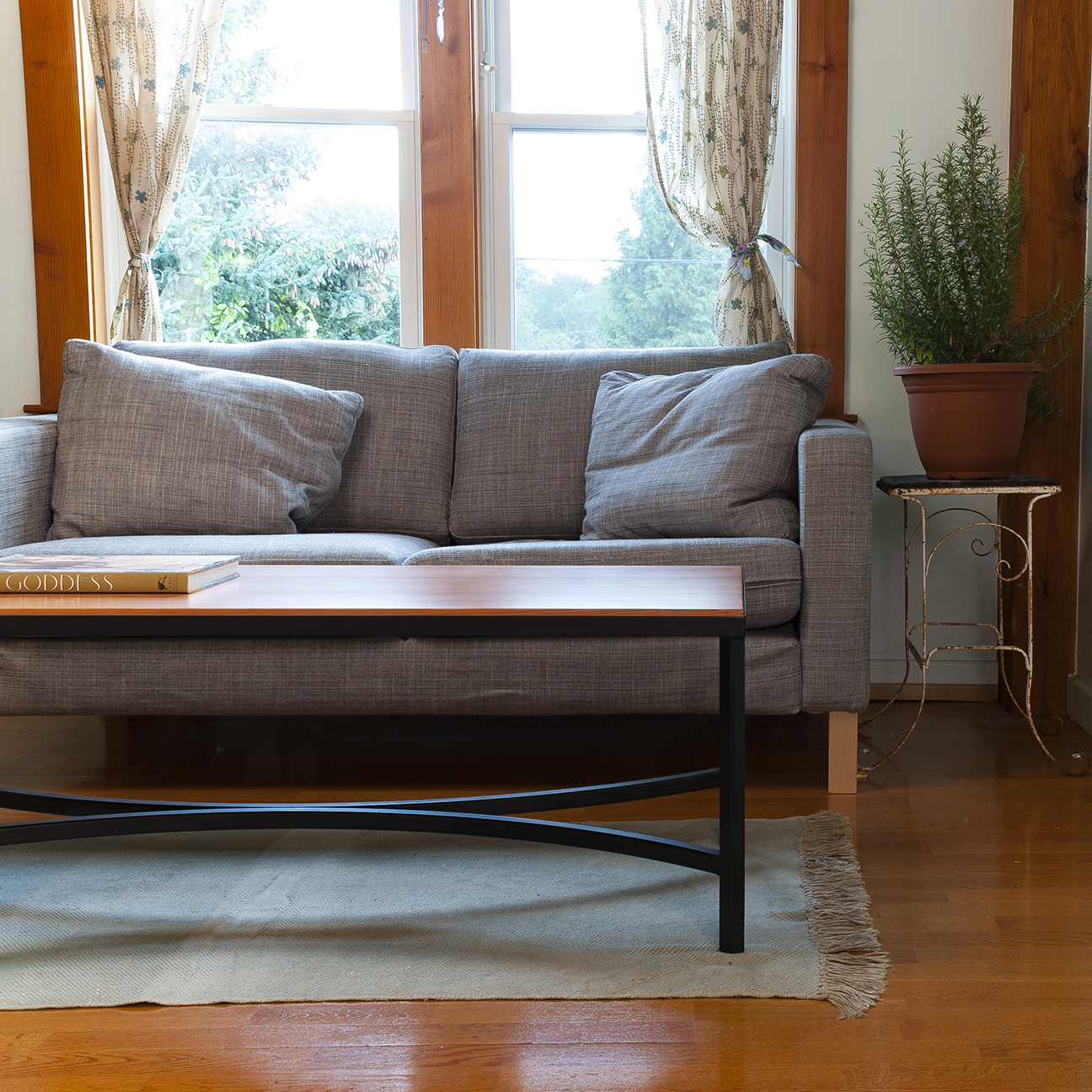 ARCH COFFEE TABLE