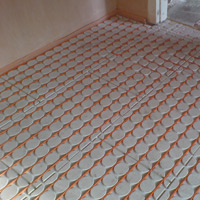 Underfloor heating in dry screed, for quick response
