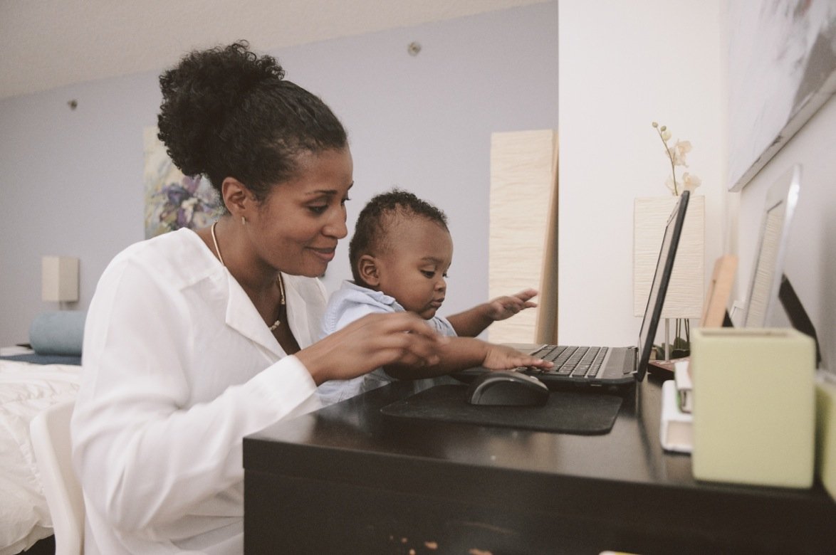 Crystal Black Davis  and her son Elijah. // J. Quazi King for mater mea