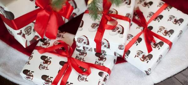 clarence-claus-wrapping-paper