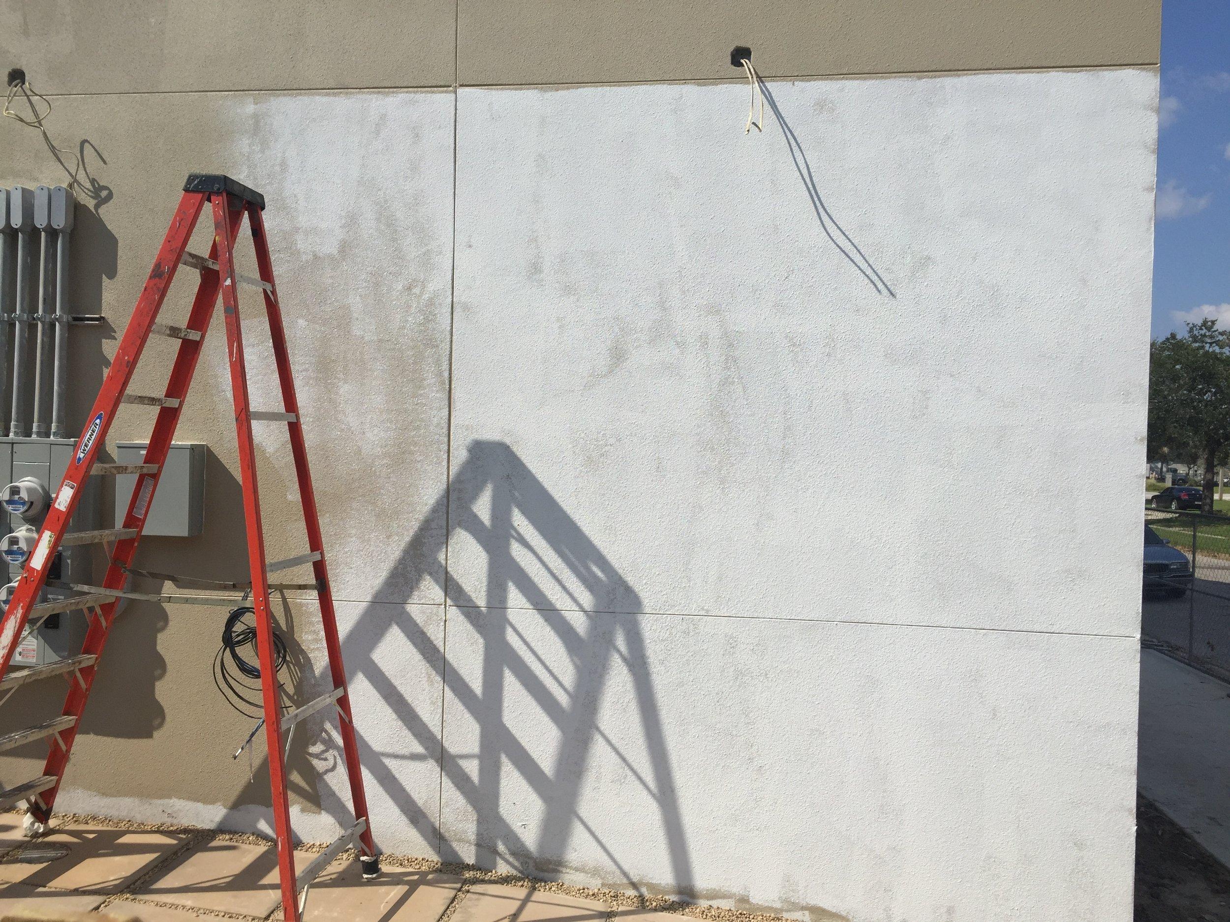 Robot Mural Primed